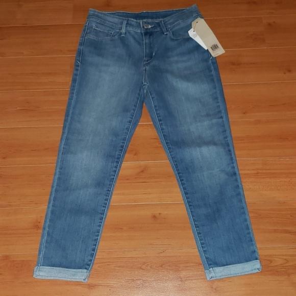 Levi's Denim - LEVIS mid rise crop cuffed Jeans size 28 NWT